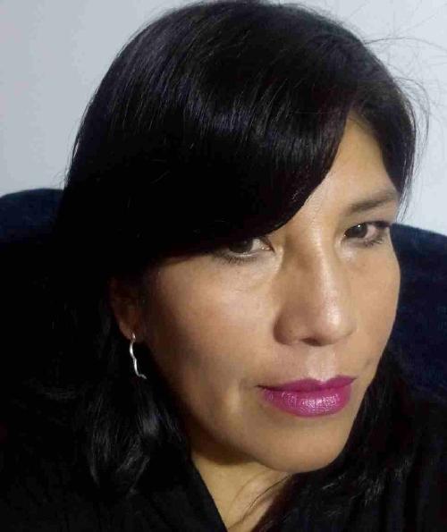 María Ulo Choquehuanca es periodista paceña de televisión. Ahora se colocó el reto de incursionar en las crónicas escritas. Actualmente trabaja en la Red ATB.