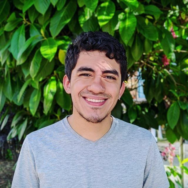 Juan Manuel Flórez es periodista colombiano. Trabaja en La Silla Vacía, medio especializado en la cobertura del poder en Colombia. Antes fue subeditor del diario El Tiempo y reportero de internacional y política del diario El Colombiano.